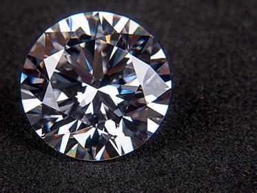 Investire in diamanti conviene? Opinioni, pro e contro per il 2018