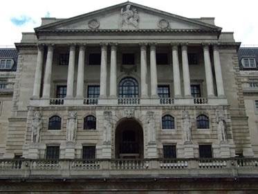 Forex, sterlina: rimandato al 2016 il rialzo dei tassi di interesse BoE