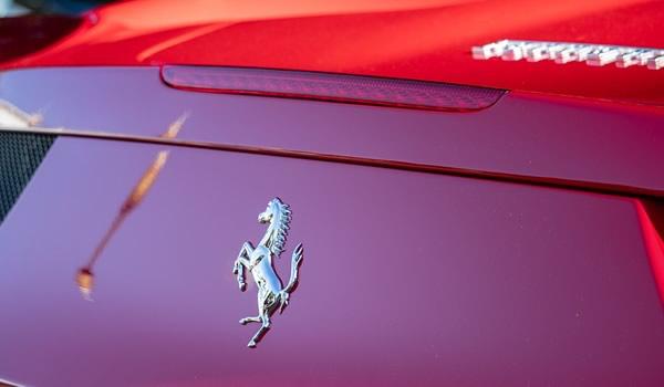 Azioni Ferrari, auto di lusso